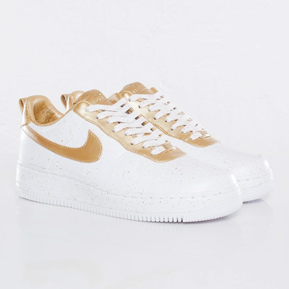 Sneaks: Nike Air Force 1
