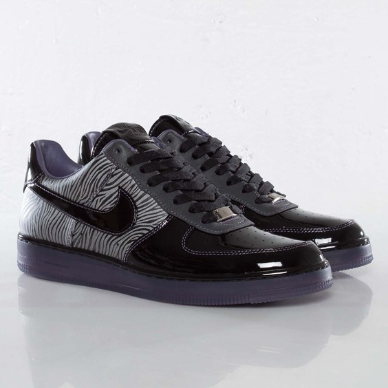 Sneaks: Nike Air Force 1 Downtown