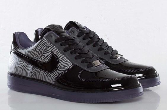 Sneaks: Nike Air Force 1 Downtown