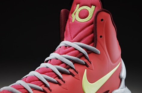 2012-kevin-durant-unveils-the-nike-kd-v-2-620x409