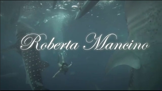 Video: Roberta Mancino – Model Daredevil!