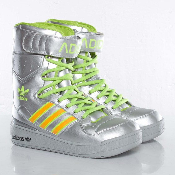 Sneaks: Adidas Original US Snow
