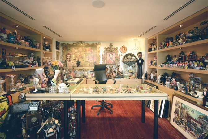 A Look Inside Nike CEO Mark Parker's Office!